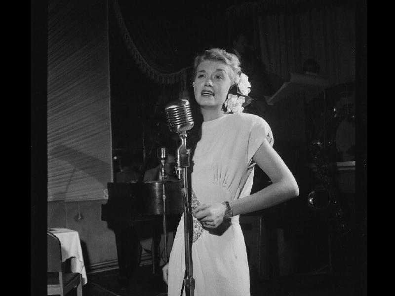 June Christy at the Club Troubadour, New York, N.Y., ca. Sept. 1947 wallpaper