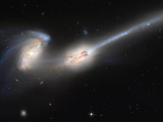 NGC4676 The Mice wallpaper