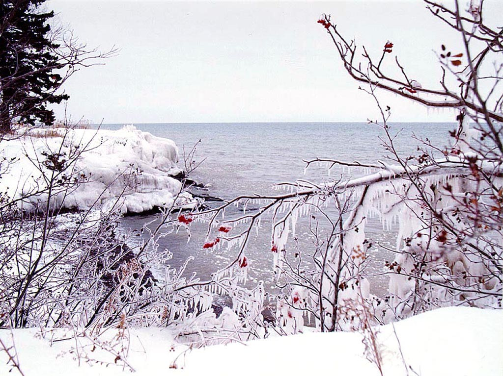 Lake Superior in Winter wallpaper
