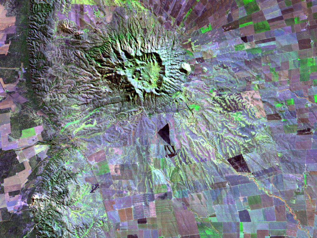 Volcano near San Luis Argentina<br />25m resolution Landsat wallpaper