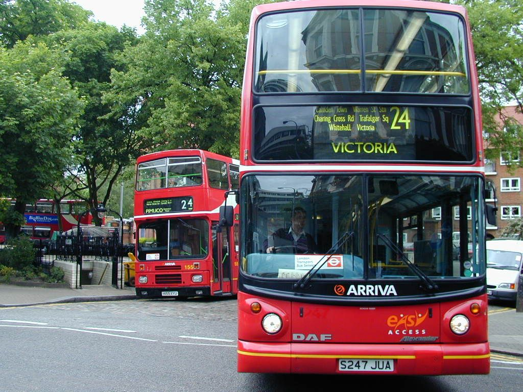 Two London Double Decker Busses Wallpaper And Backgrounds (1024 X 768)