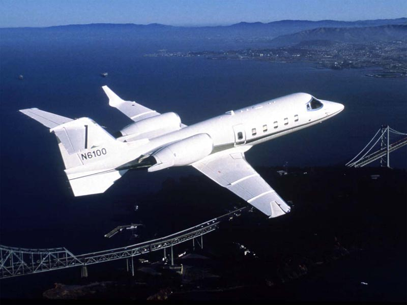 Learjet 60 in Flight wallpaper