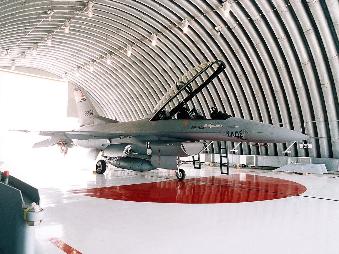 F-16D in Hanger wallpaper